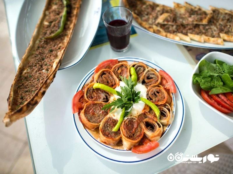 24- غذاهای ترکی مانند غذاهای کشور ما بسیار متنوع اند.