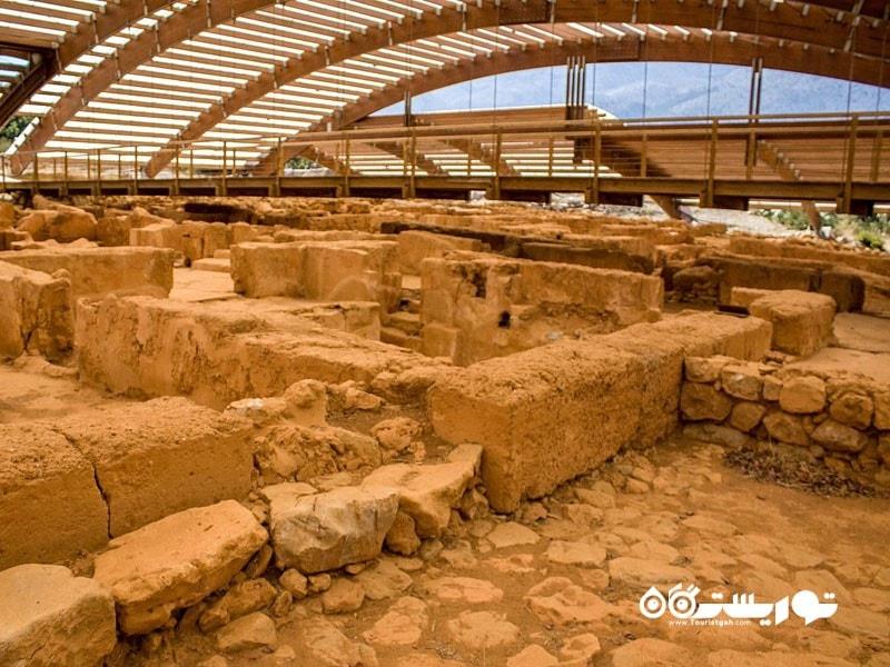 تماشای کاخ مالیا مینوان (Malia Minoan Palace)