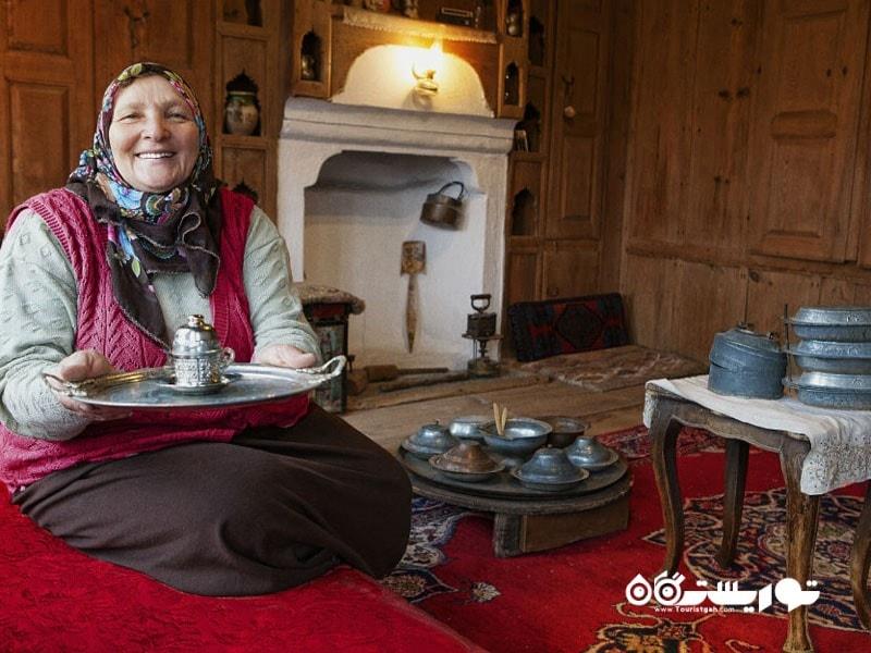 21- بعدازظهرهای لذت بخش با نوشیدن قهوه ترکی