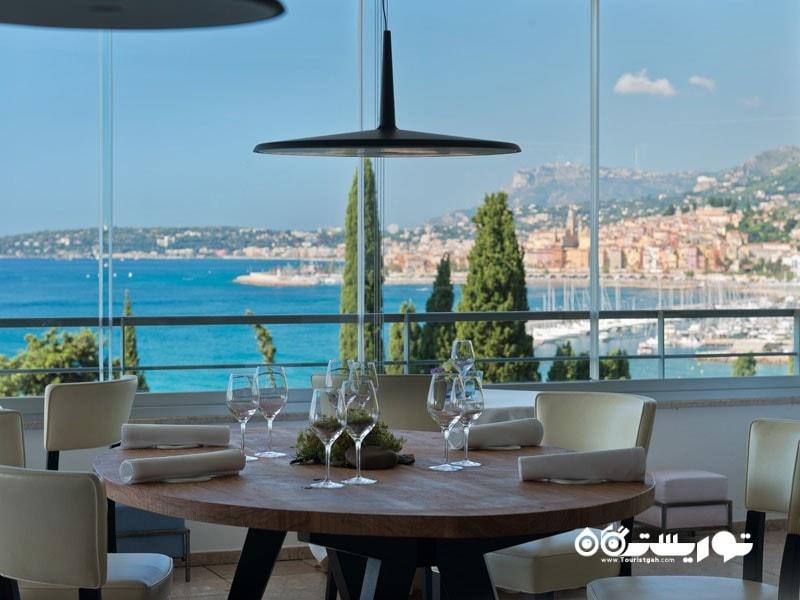 4. رستوران میرازور (Mirazur) در شهر منتون، کشور فرانسه