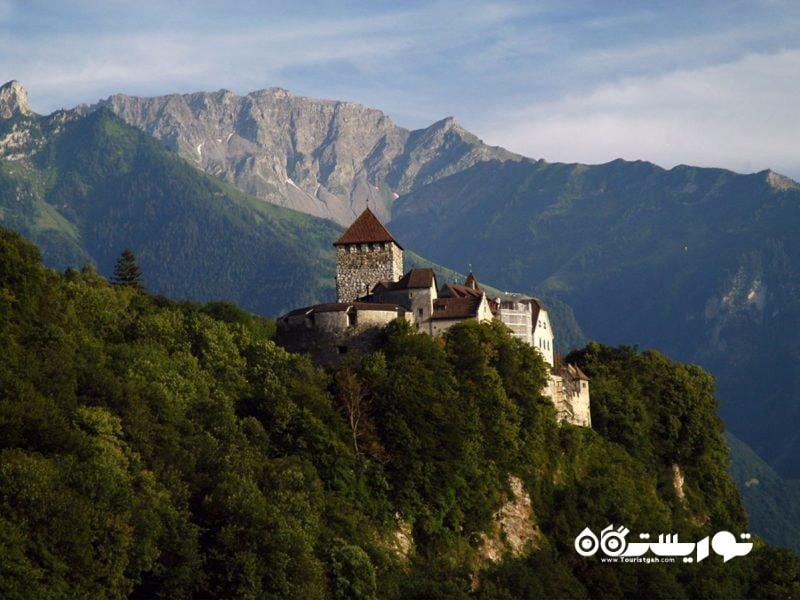 قلعه وادوز (Vaduz Castle) بر روی تپه های وادوز