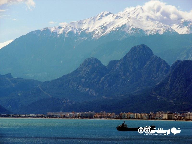 2- کوهستان توریستی معروف توروس (تاروس)