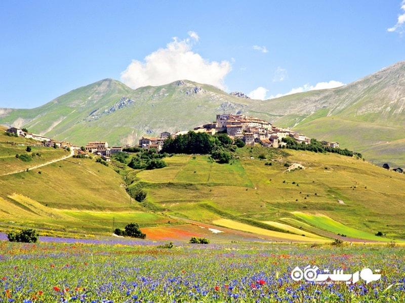 کاستِلوچو دی نورچا (Castellucio di Norcia) دهکده کوچکی در نزدیکی شهر نورچا