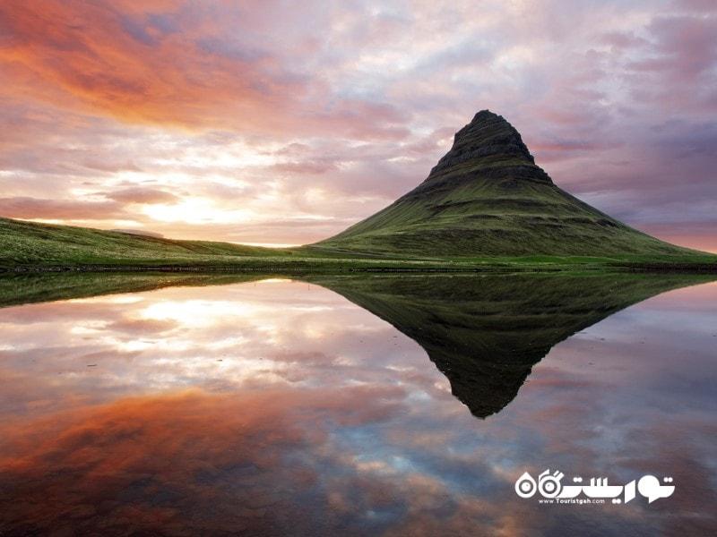 12- پارک ملی یخچال های طبیعی (Snæfellsjökull National park)، ایسلند