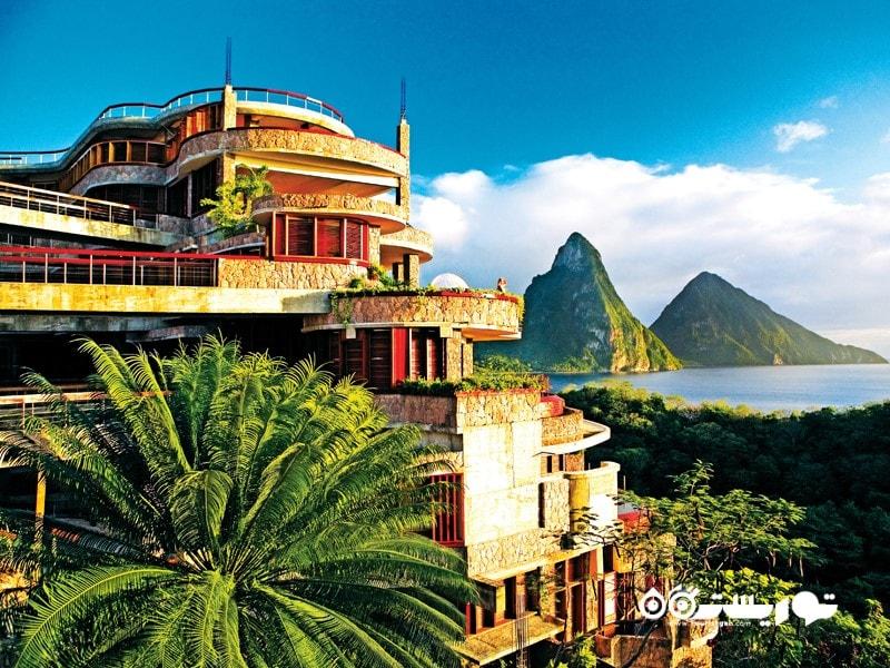 2- کوه های جِید، سِنت لوسیا، کارائیب