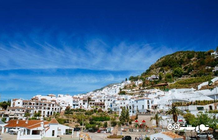 فریگیلیانا (Frigiliana) یکی از شگفت انگیزترین شهرهای اسپانیا