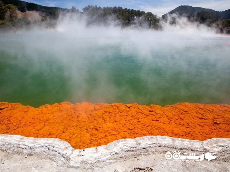 چشمه های آب گرم شهر روتوروآ (Rotorua)