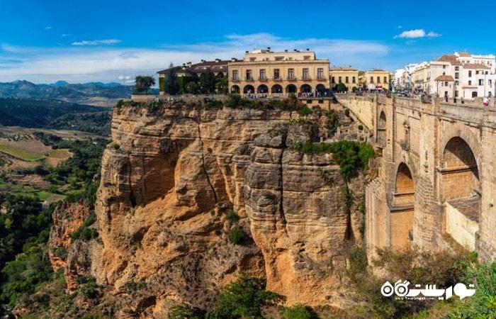 لِروندا (Ronda) یکی از شگفت انگیزترین شهرهای اسپانیا