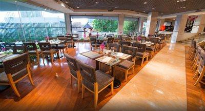 هتل رویال ارکید شرایتون بانکوک | Royal Orchid Sheraton Hotel & Towers