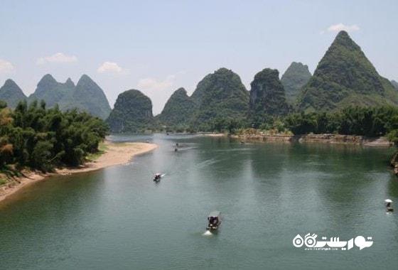 صخره های کارستی یانگشاو، نمایی بر فراز رود لی (Li River)