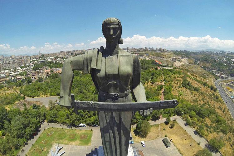 مادر ارمنستان
