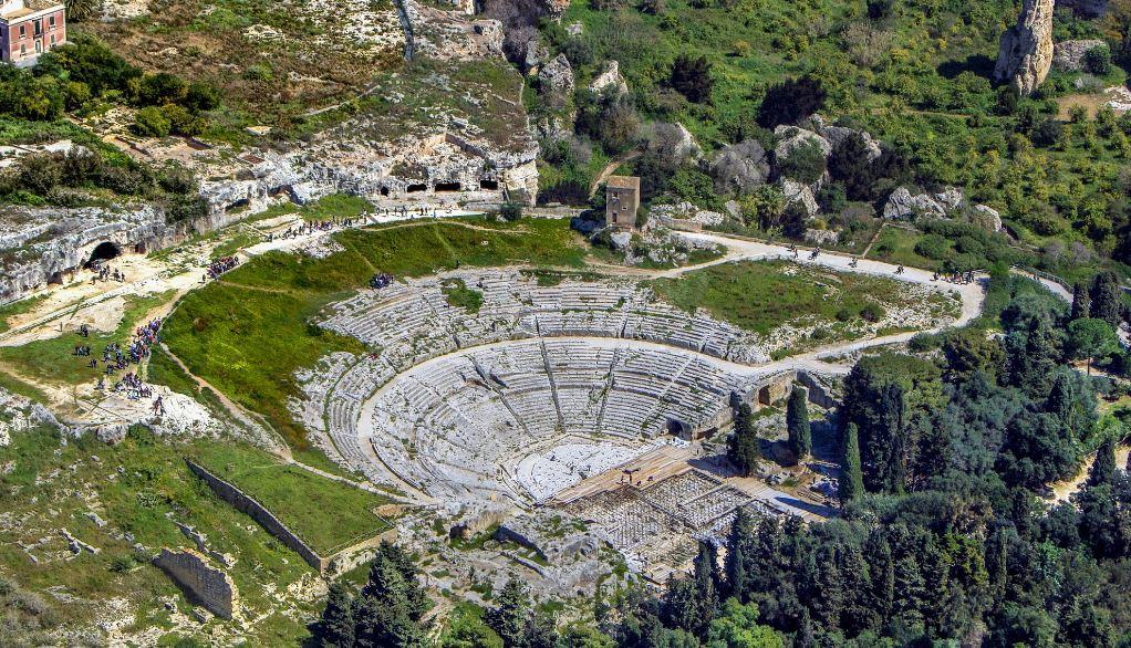 تئاتر دیونیسوس