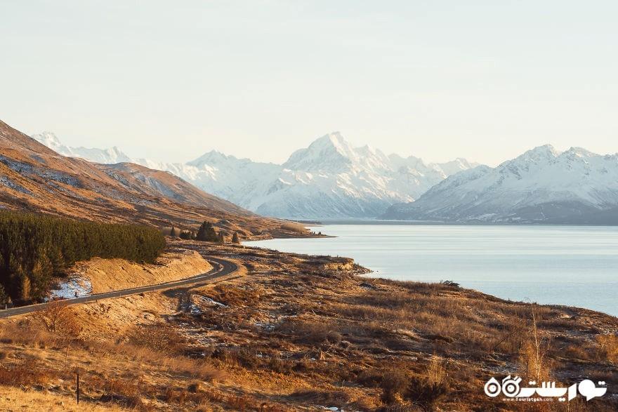 دریاچه پوکاکی و کوهستان کوک