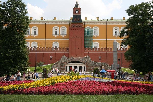 Alexandrovsky Garden, Moscow, 2006-07 (C) Seiji Yoshimoto