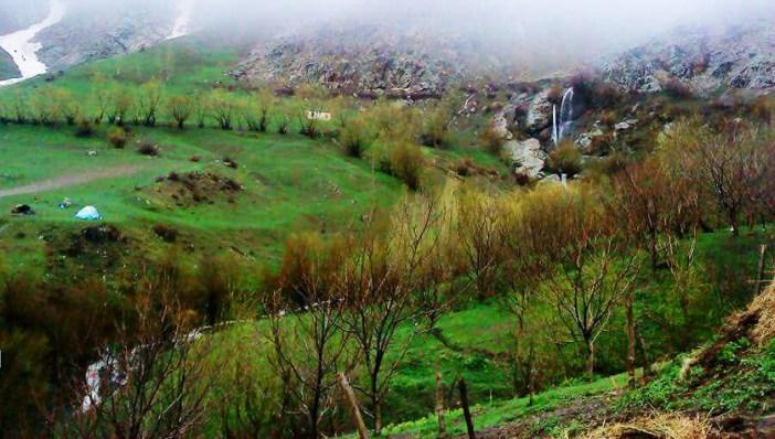 روستا و آبشار سلوک
