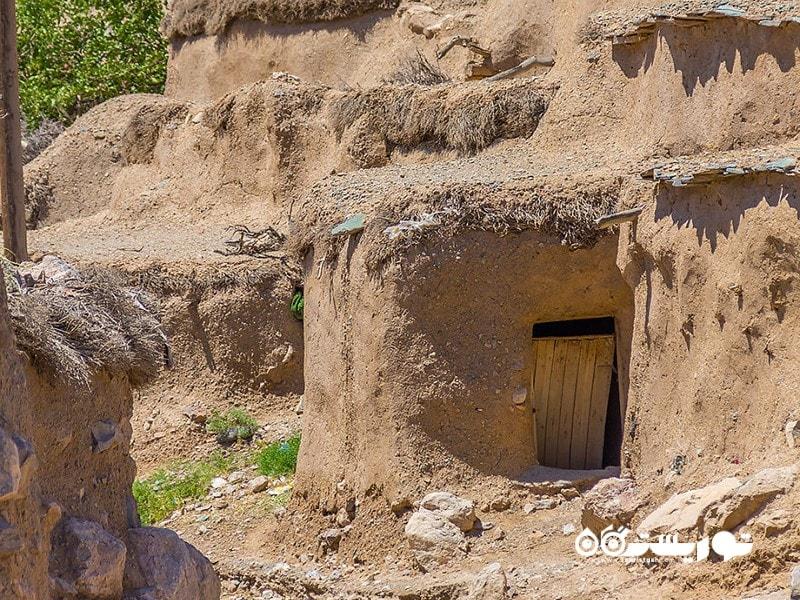 روستای ماخونیک (سرزمین لی لی پوت ها ایران)