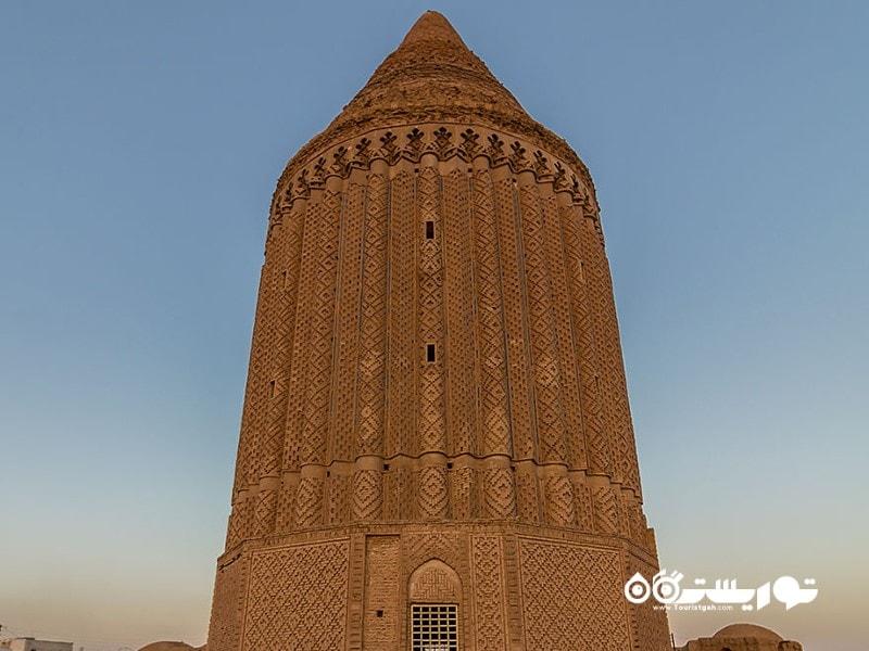 برج تاریخی کِشمَر، روستای کشمر، کاشمر، استان خراسان رضوی