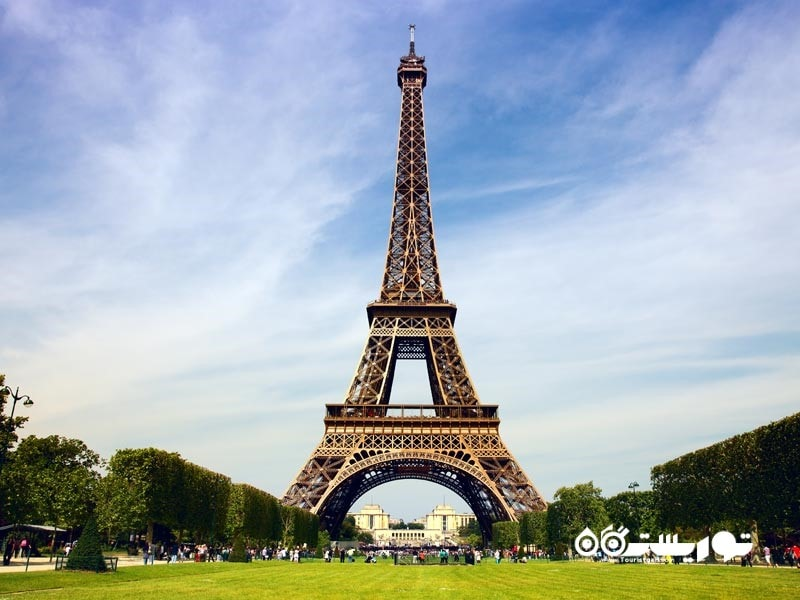 9 – برج ایفل (Eiffel Tower)
