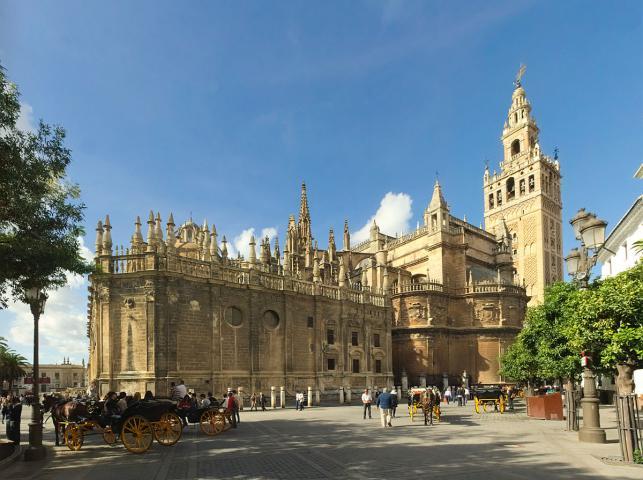 Sevilla Cathedral   Southeast 1 - ۱۱ دلیل برای سفر به آندالوسیا