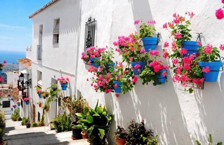 mijas el pueblo con mas encanto y flores de toda la costa del sol 1 - سفرنامه آندالوسیا