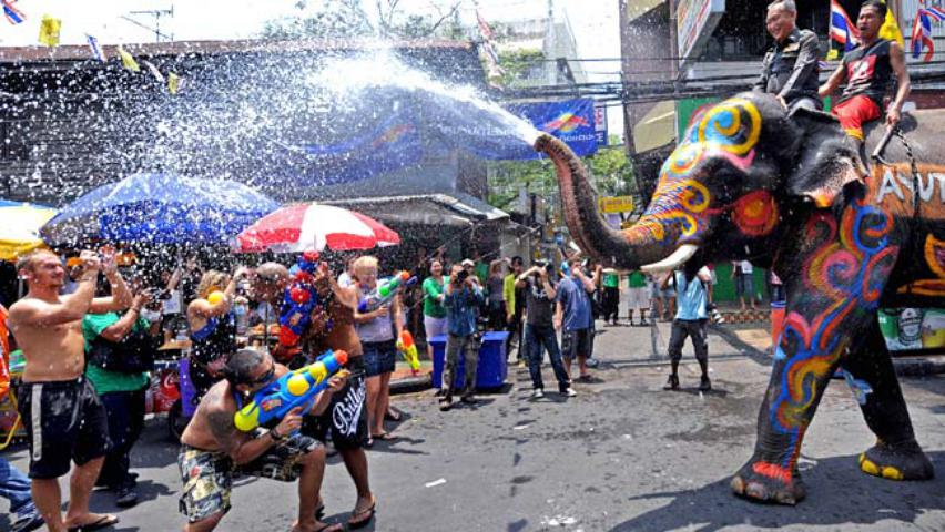 new year water ceremoney