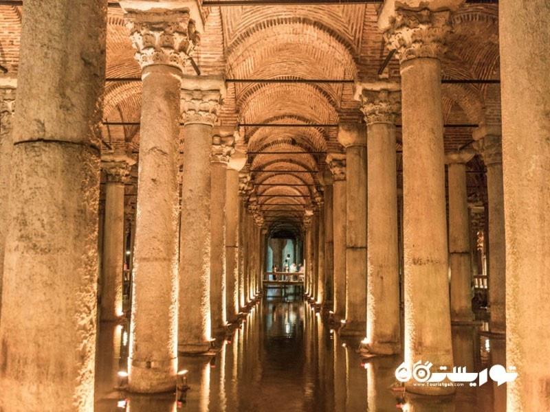 آب انبار باسیلکا (Basilica Cistern)