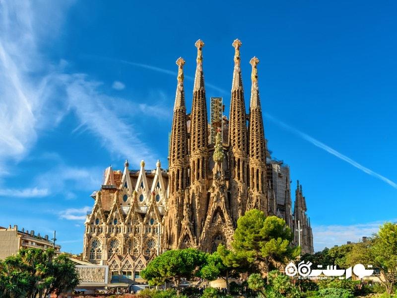 کلیسای ساگرادا فامیلیا در بارسلون (Sagrada Familia in Barcelona)