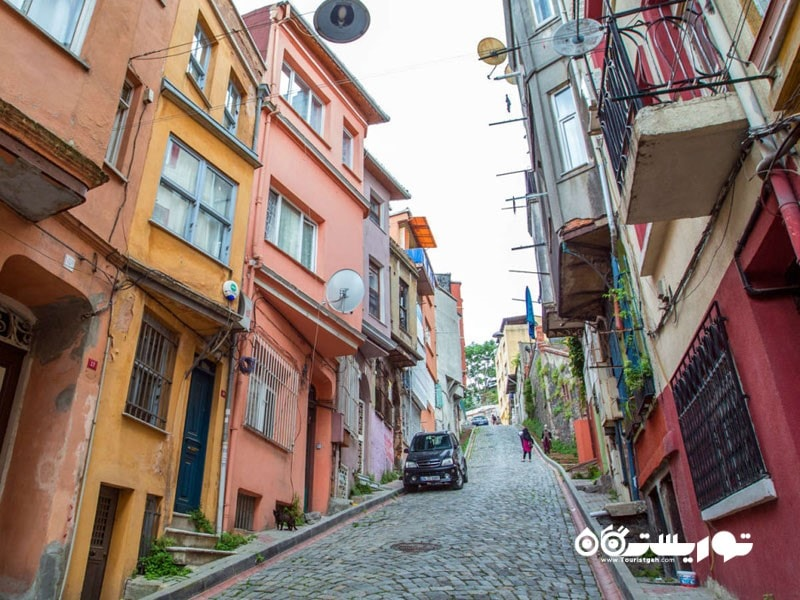 بلاط رنگارنگ در استانبول