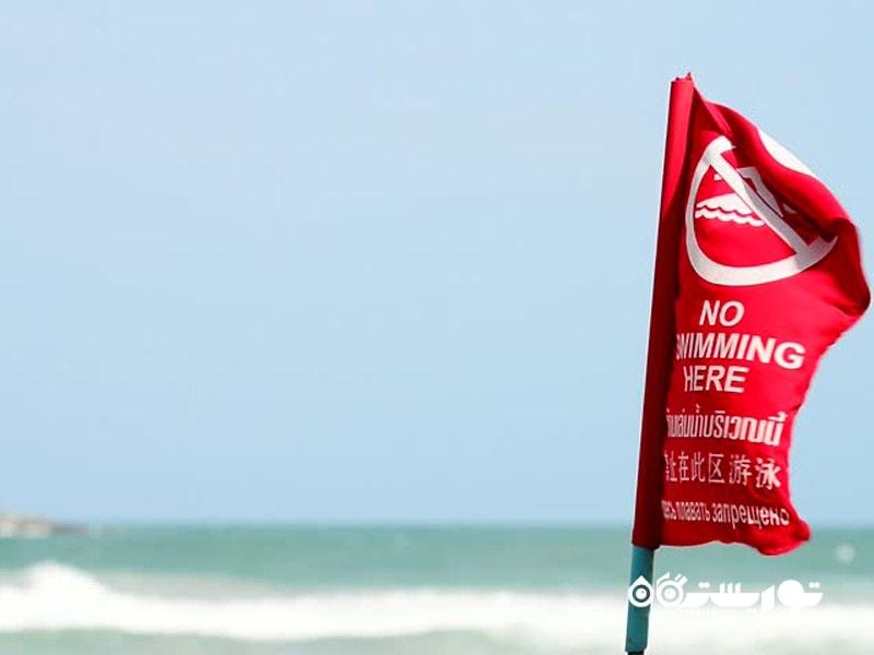 اشتباه دوم: چشم پوشی از پرچم های قرمز رنگ موجود در ساحل