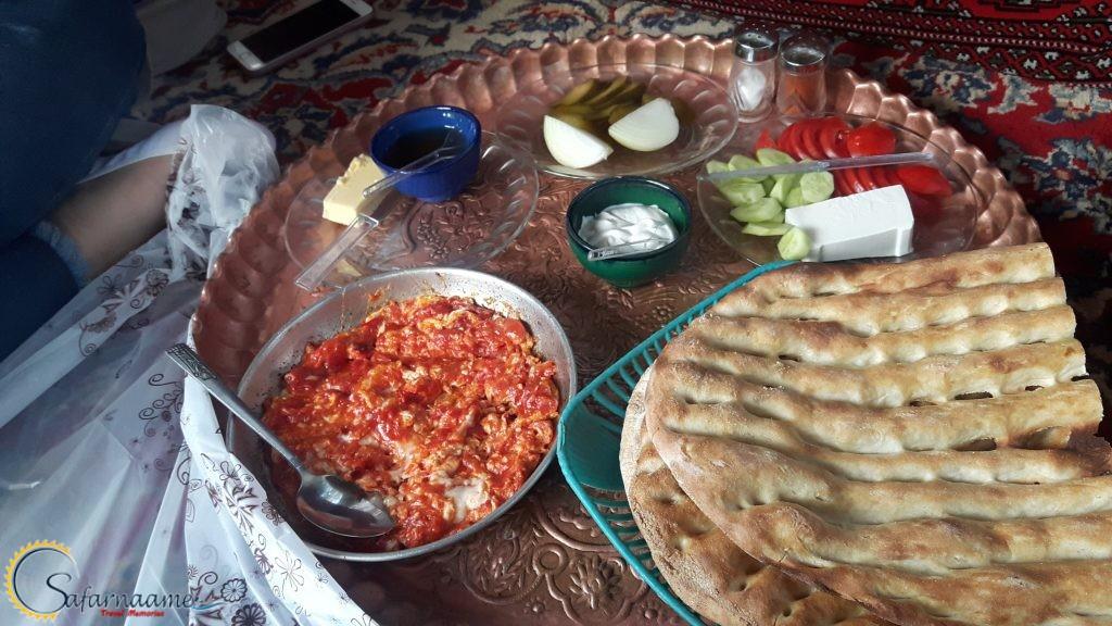 صبحانه در جاده چالوس در سایت سفرنامه
